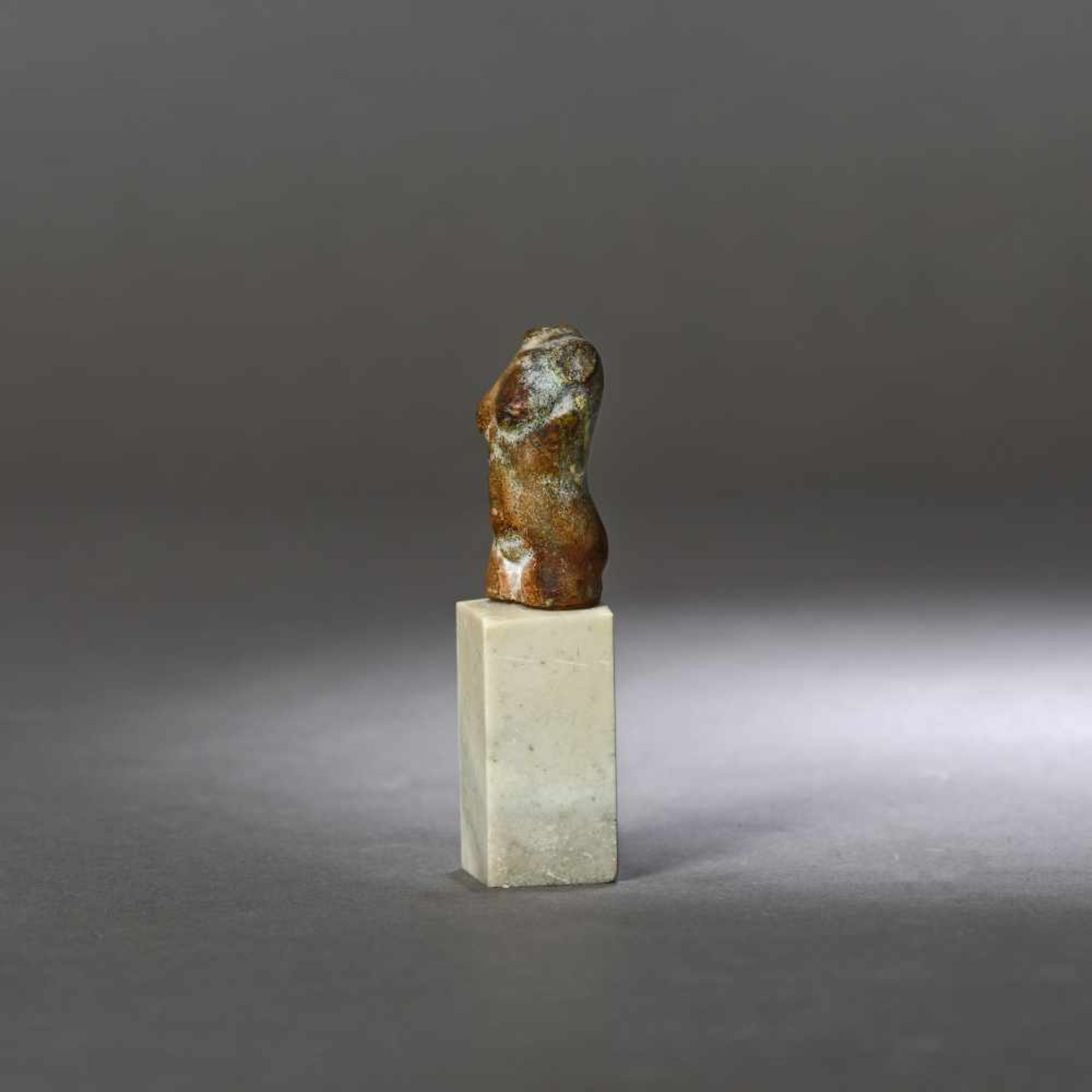 Miniature stone statuette, representing a torso of the goddess Venus, the goddess of beauty, possibl - Bild 2 aus 3