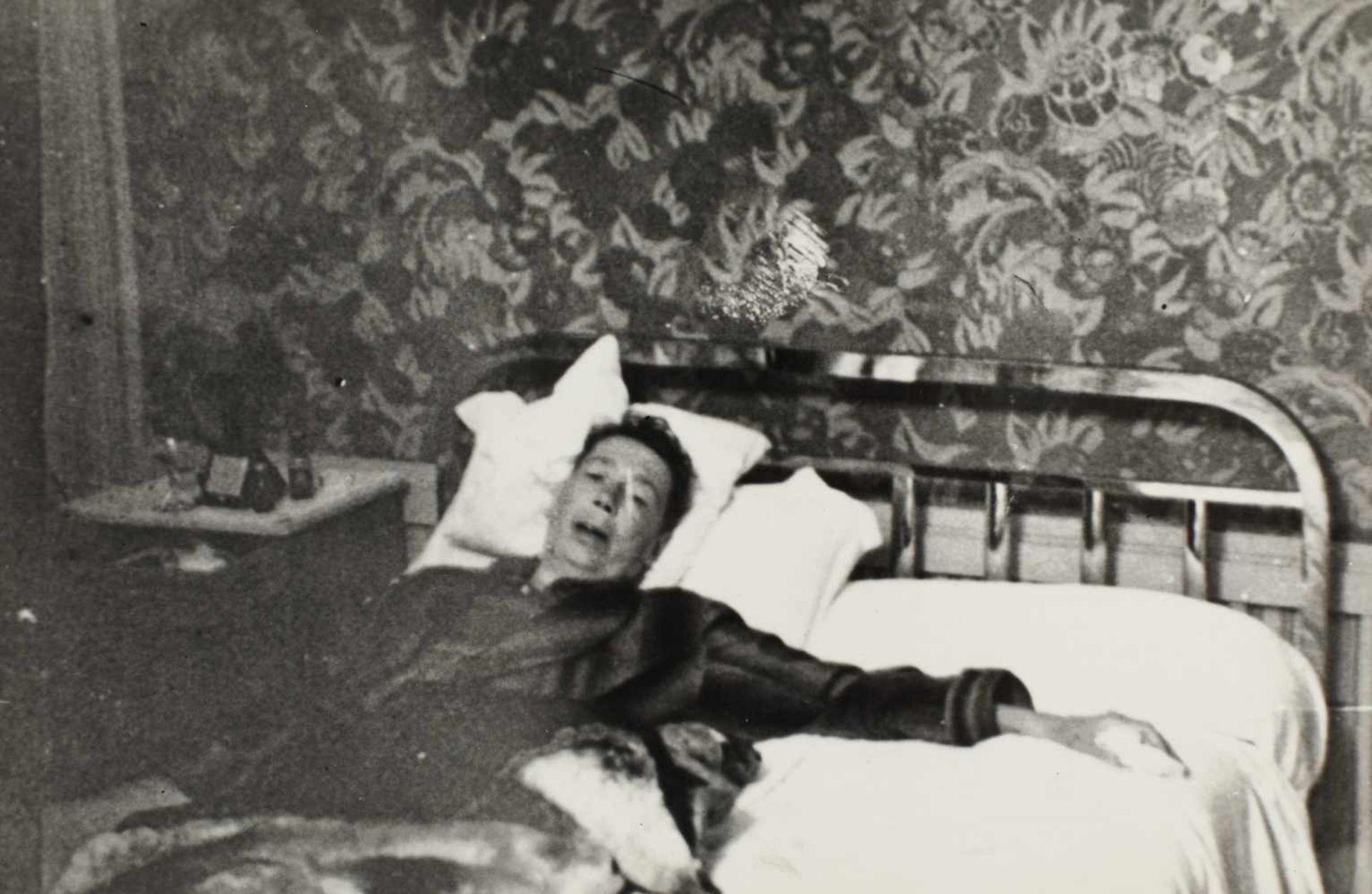 Seven photos illustrating Nicolae Titulescu, approx. 1940 - Bild 5 aus 8