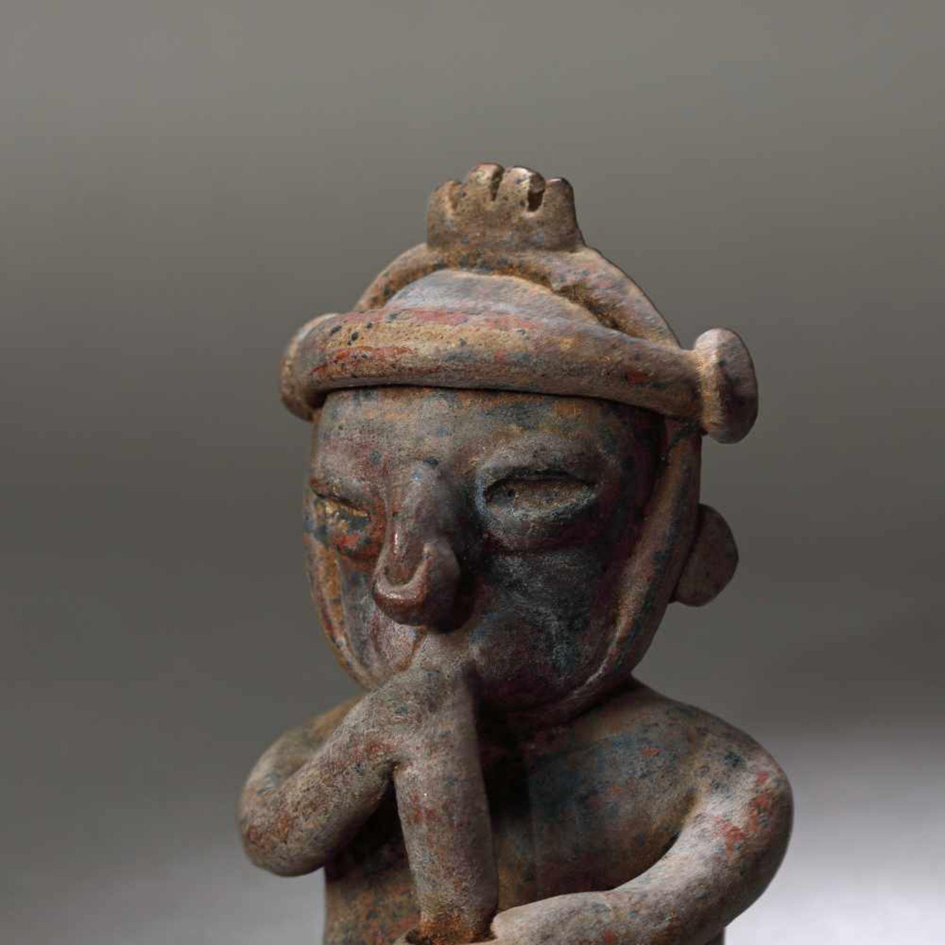 Ceramic figurine depicting a man smoking, Colima culture, Mexico, approx. 2,000 years old, 1st centu - Bild 2 aus 6