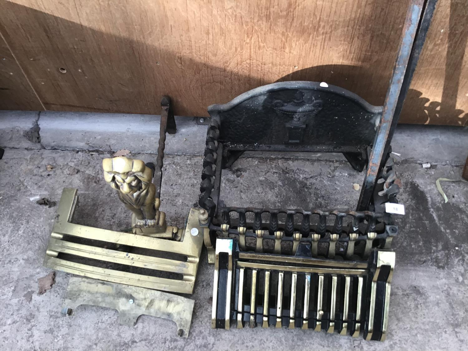 Lot 18 - VARIOUS FIRE FRONTS AND GRATES