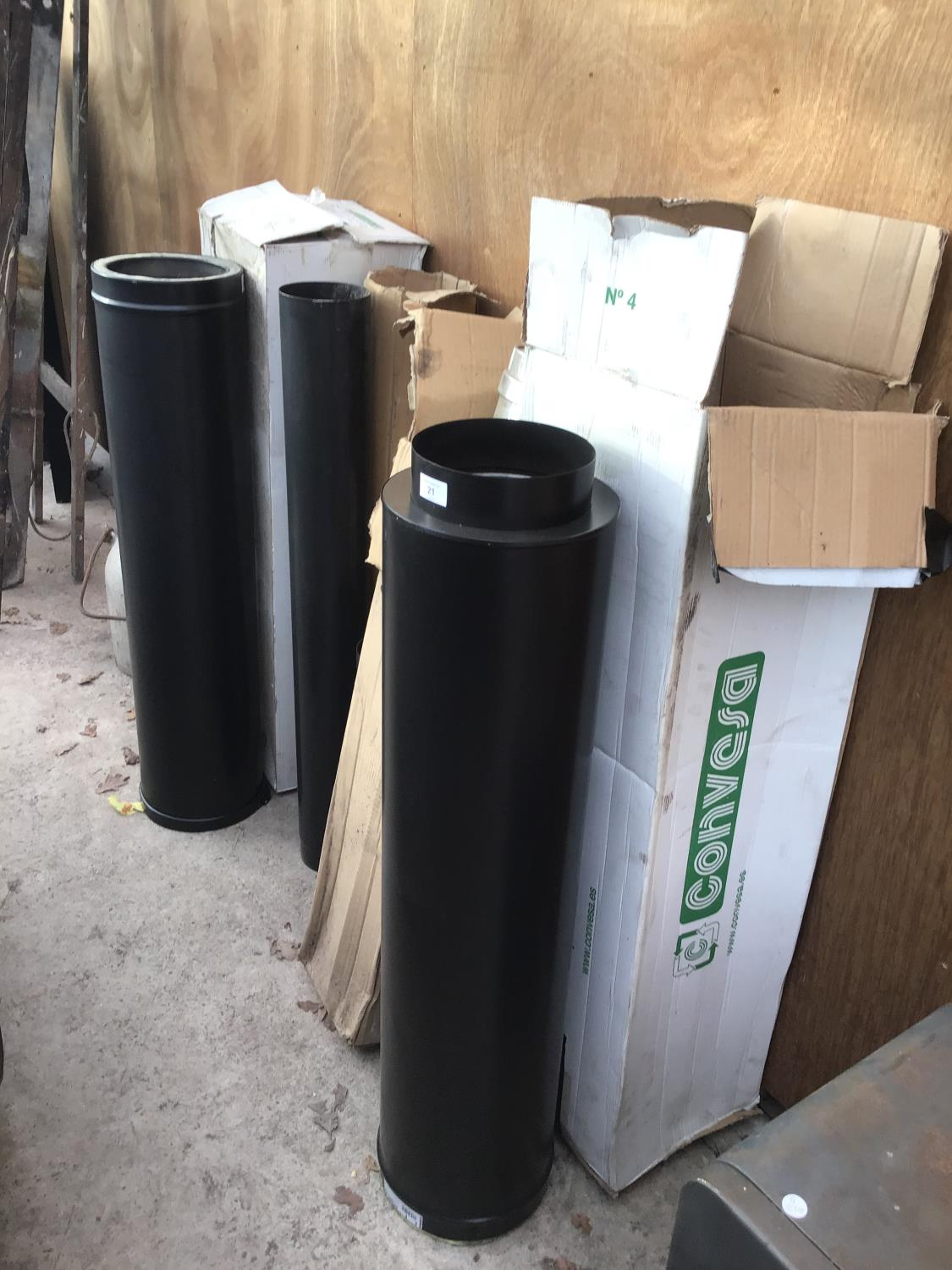 Lot 21 - VARIOUS NEW AND BOXED WOOD BURNER FLUES