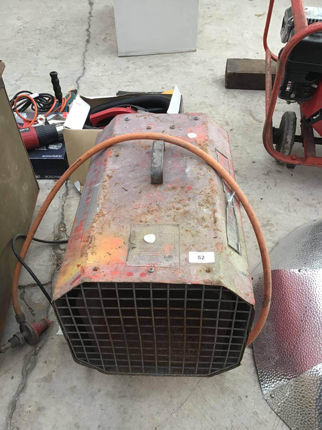 Lot 52 - A SPACE HEATER