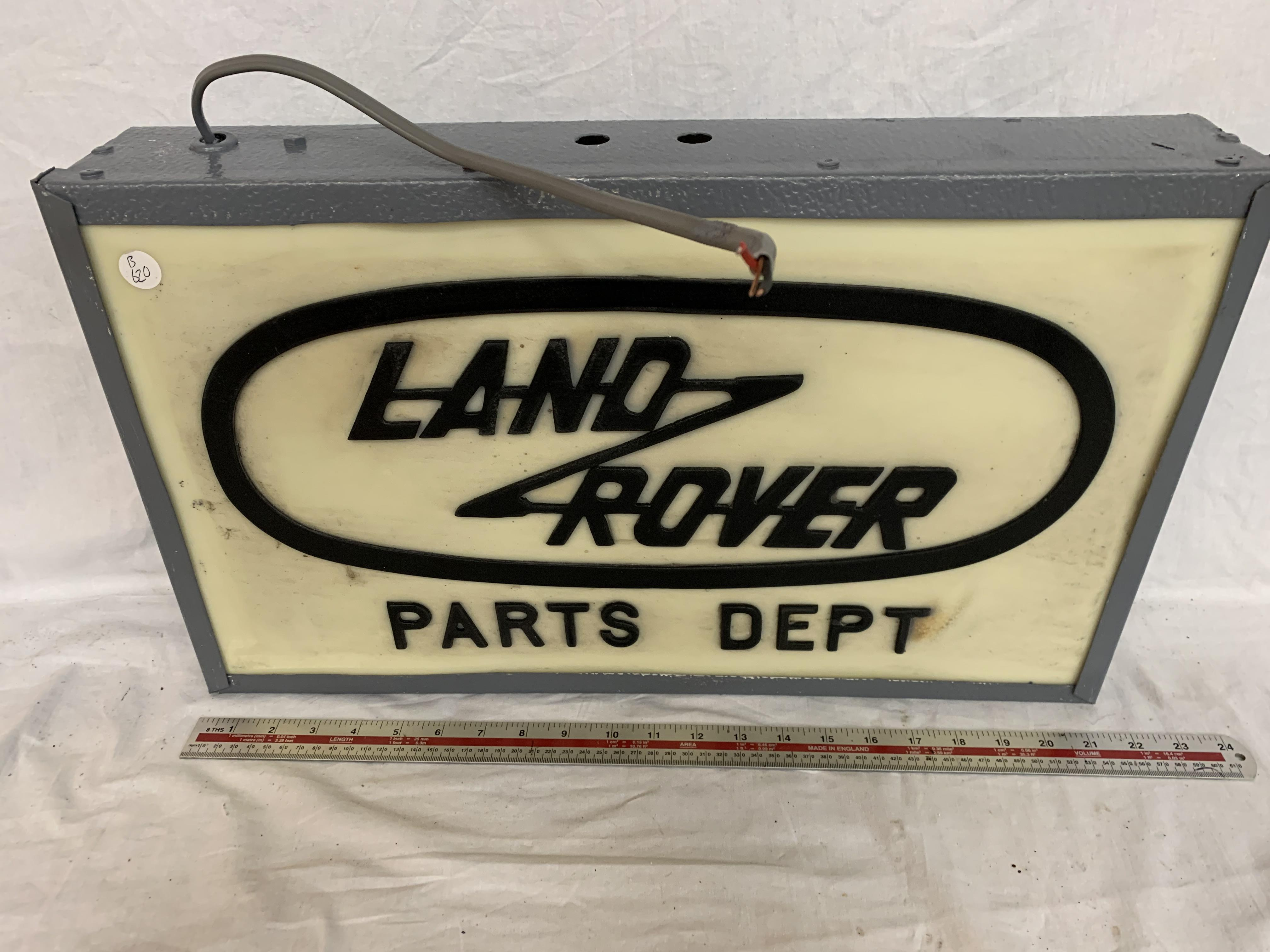 Lot 28 - A LAND ROVER ILLUMINATED LIGHT BOX SIGN 21 INCHES LONG