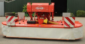 A 2010 10 FEET KUHN FC313F REAR MOWER CONDITIONER WITH INSTRUCTION BOOK/MANUAL