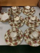 A SIX SETTING ROYAL ALBERT OLD COUNTRY ROSES DINNER SERVICE