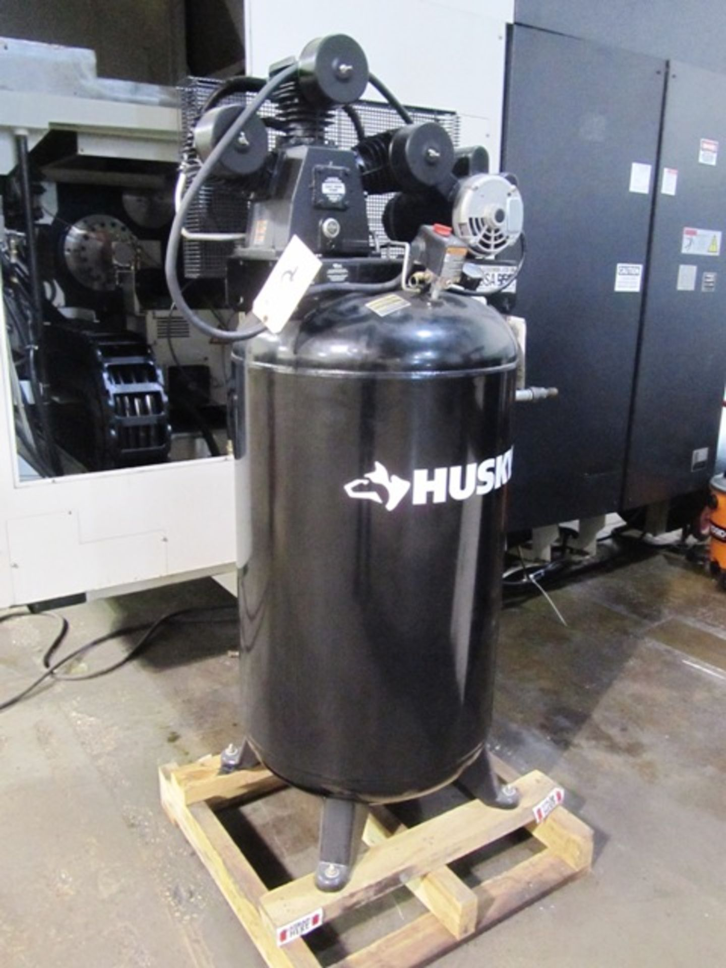 Lot 2 - Husky 3 Stage 4.7 HP 80 Gallon Vertical Tank Air Compressor