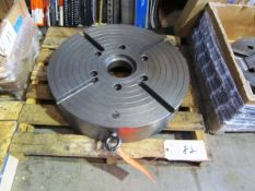 23'' Chuck with 4'' Bore, 4.25'' Hole