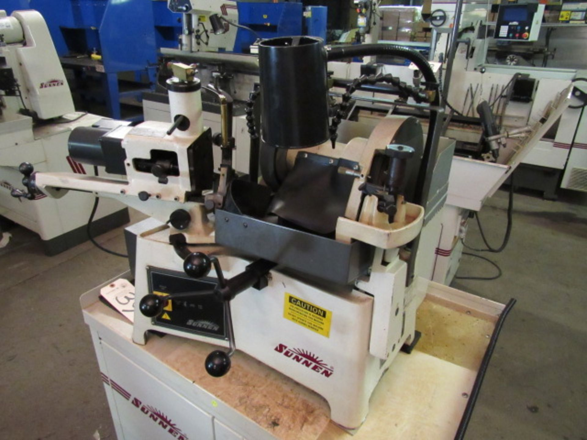Lot 39 - Sunnen Model VR-7000-K Centerless Valve Grinder