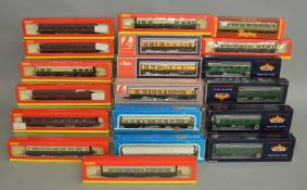 OO Gauge. 17 boxed Coaches of various types by Bachmann, Hornby and Lima including examples in