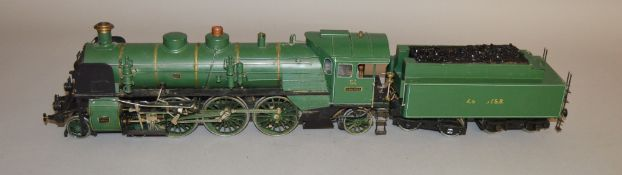 Gauge 1. A live steam 4-6-2 Locomotive with Tender in green Royal Bavarian State Railways livery,