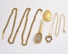 A quantity of 9ct jewellery to include a chain A/F, locket, brooch etc, approx gross weight 14.4gms