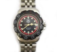 TAG HEUER - A 1990's gents Tag Heuer Formula 1 Professional 200m stainless steel quartz