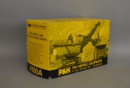P & H die-cast boxed model of 4100A by Ertl (1).