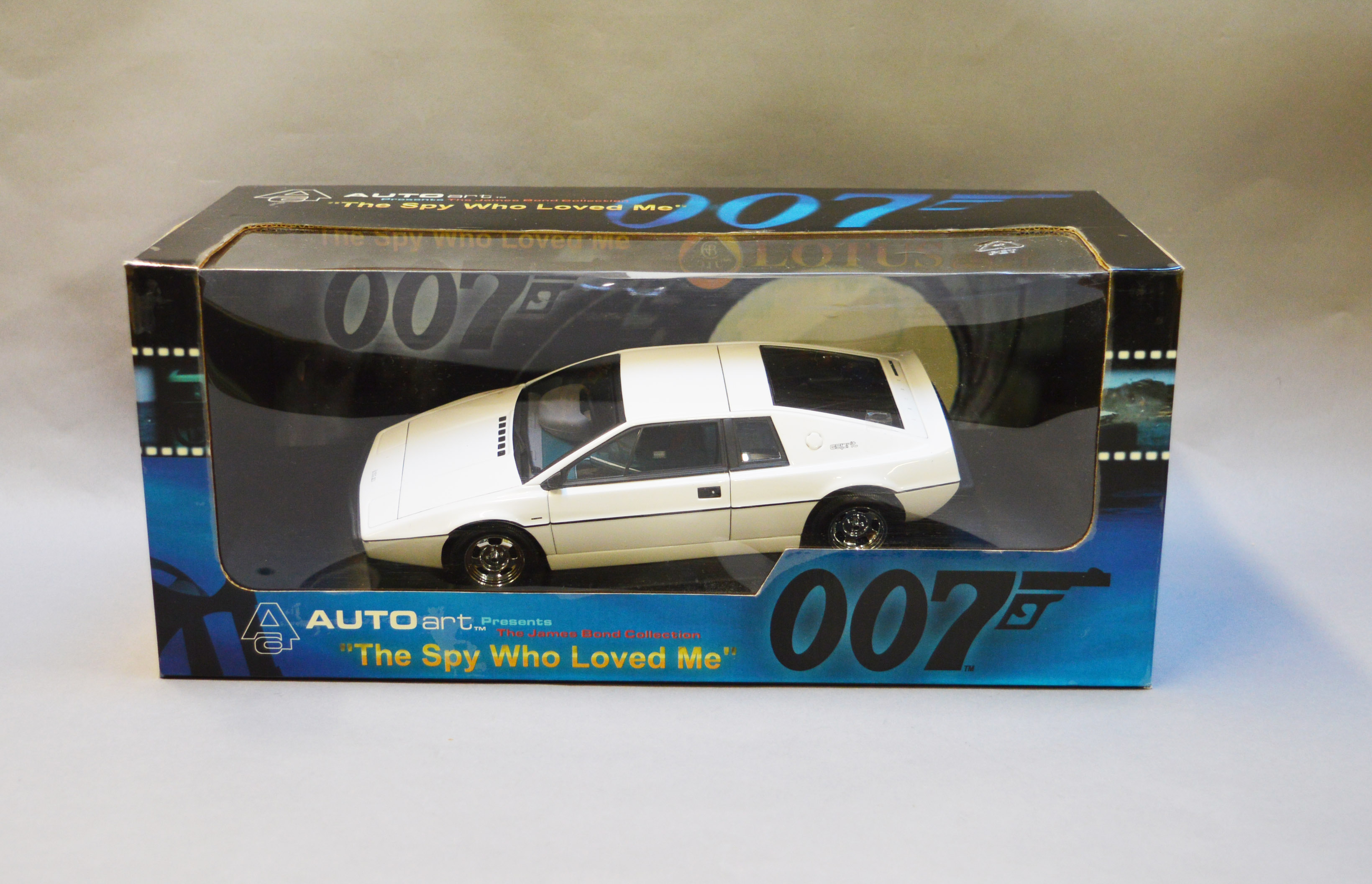 Lot 7 - James Bond 007. A boxed Autoart 1:18 scale Lotus Esprit S1, issued in 1999, modelled on the