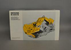 Demag H485 S Hydraulic Excavator boxed die-cast model (1).