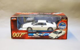 James Bond 007. A boxed Joyride 1:18 scale Lotus Esprit in white, issued in 2006, modelled on the