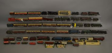 OO Gauge. A good quantity unboxed model railway items including 13 Locomotives, some with Tenders,