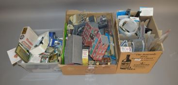 OO Gauge. A quantity of Model Railway Accessories, mostly unboxed trackside buildings, platform