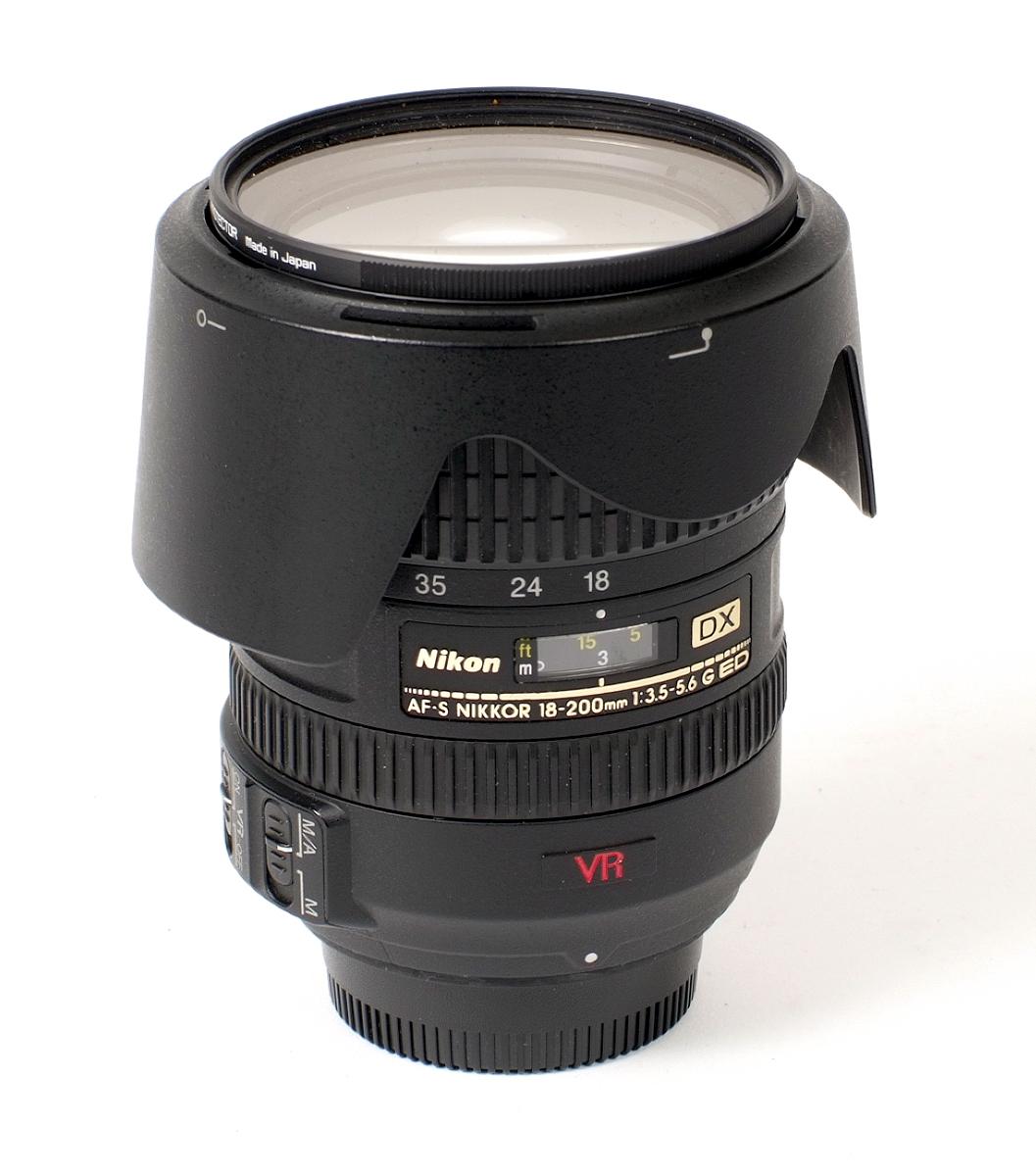 Lot 36 - AF-S Nikkor 18-200mm f3.5-5.6 G VR & Other Lenses.