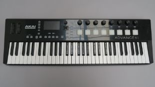 AKAI Professional Advance 61 MIDI controller keyboard. Tested and in working condition. (1)