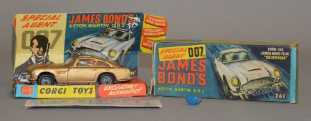 Corgi Toys #261 James Bond's Aston Martin DB5, boxed with card display plinth, instructions and