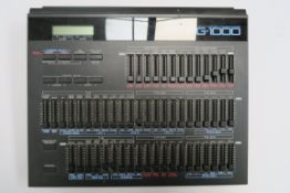 Roland Linear Synthesizer Programmer PG 1000. Not tested. (1)
