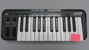 LINE 6 Mobile Keys 25 keyboard. Not tested. (1)