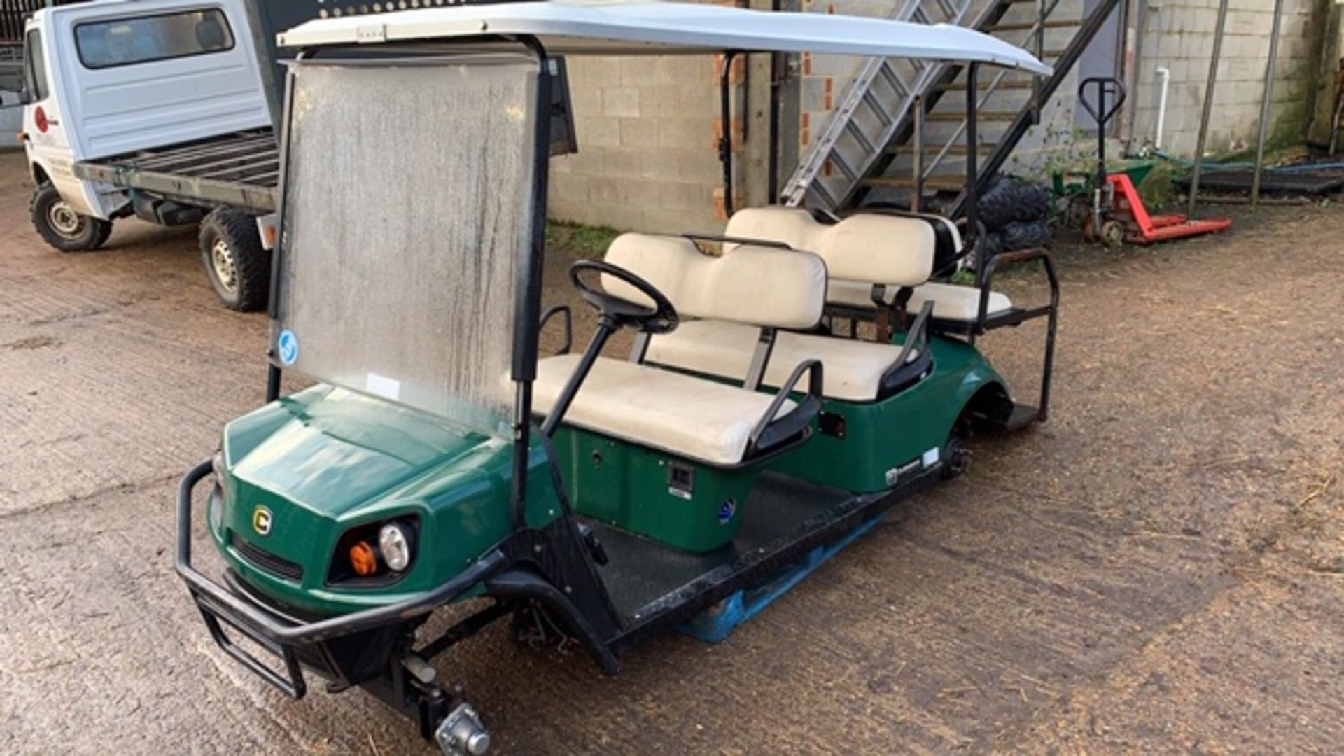 Lot 15 - CUSHMAN EZGO SHUTTLE 6 BATTERY POWERED GOLF / EVENTS TRANSPORT BUGGY. YEAR 2014 BUILD. 1772 REC HRS.