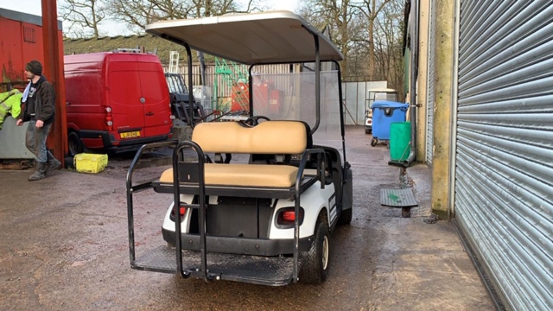 Lot 9 - CUSHMAN EZGO SHUTTLE 4 PETROL ENGINED 4 SEATER GOLF / EVENTS BUGGY. YEAR 2017 BUILD. 108 REC HRS.
