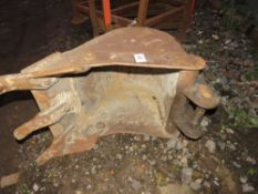"""18"""" TOOTHED DIGGER BUCKET FOR 5 TONNE EXCAVATOR"""