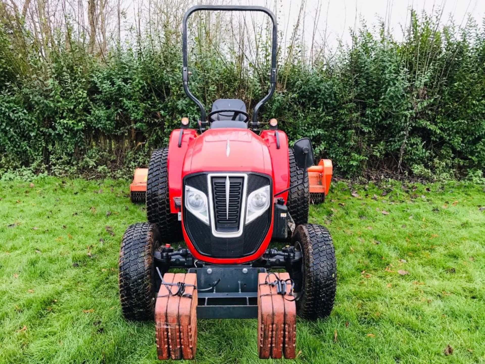 Lot 98 - BRANSON F47HN COMPACT TRACTOR ON TURF TYRES, HYDROSTATIC DRIVE, 47HP, ROAD REGISTERED 67 REG WITH