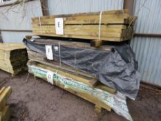 LARGE STACK OF ASSORTED TIMBER POSTS 81NO. APPROX. 2.1MX5.5CMX8CM 106NO. APPROX. 2.1MX7CMX6CM