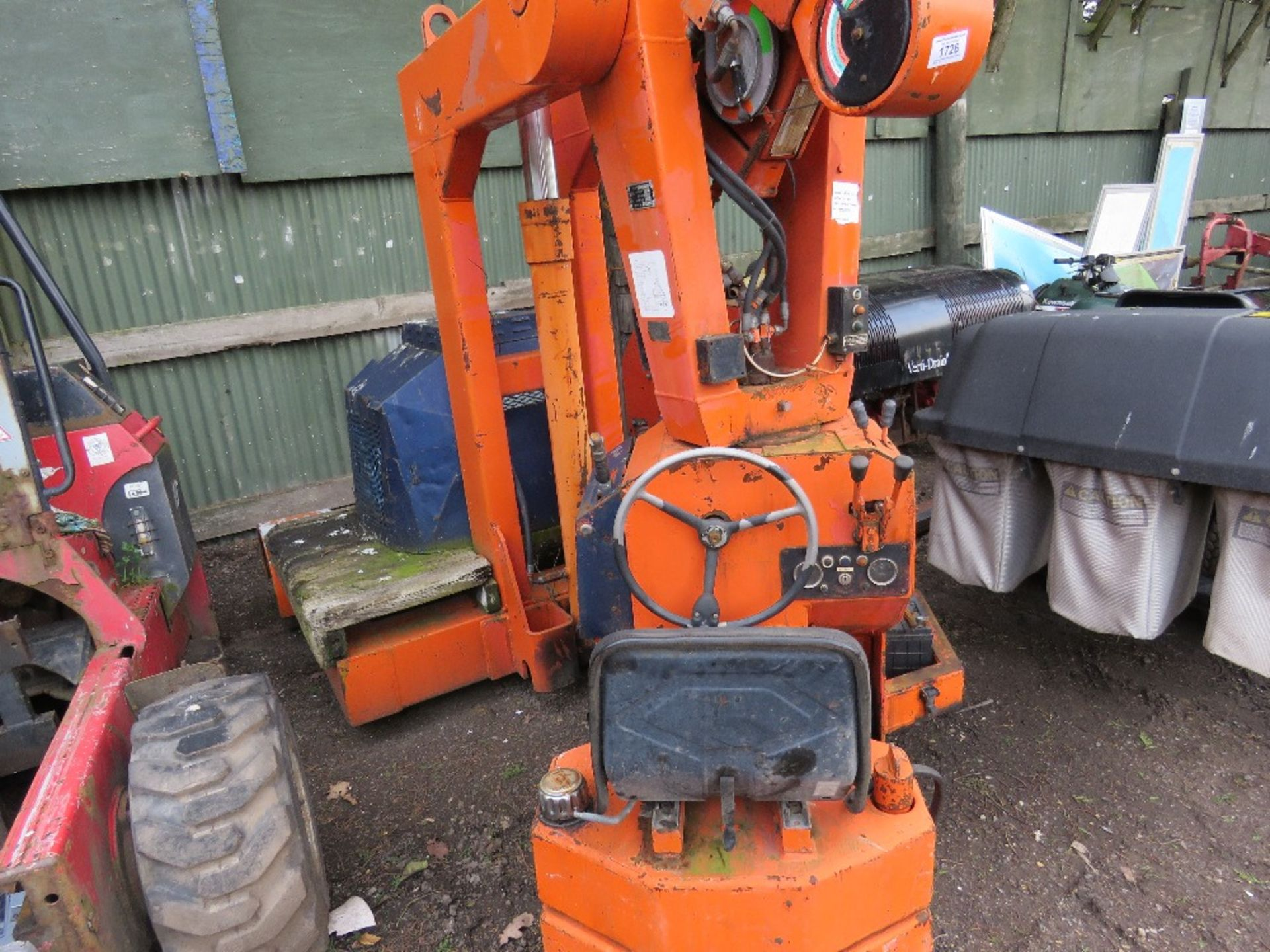 Lot 1726 - 4Tonne rated telescopic crane. Runs, drives and lifts/