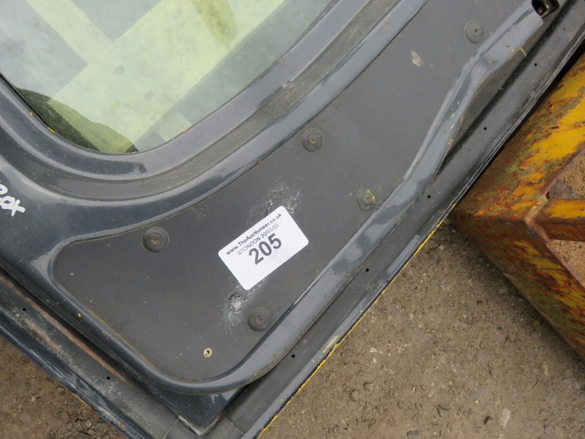 Lot 205 - Komatsu 16tonne excavator door with glass, yr2014 approx.