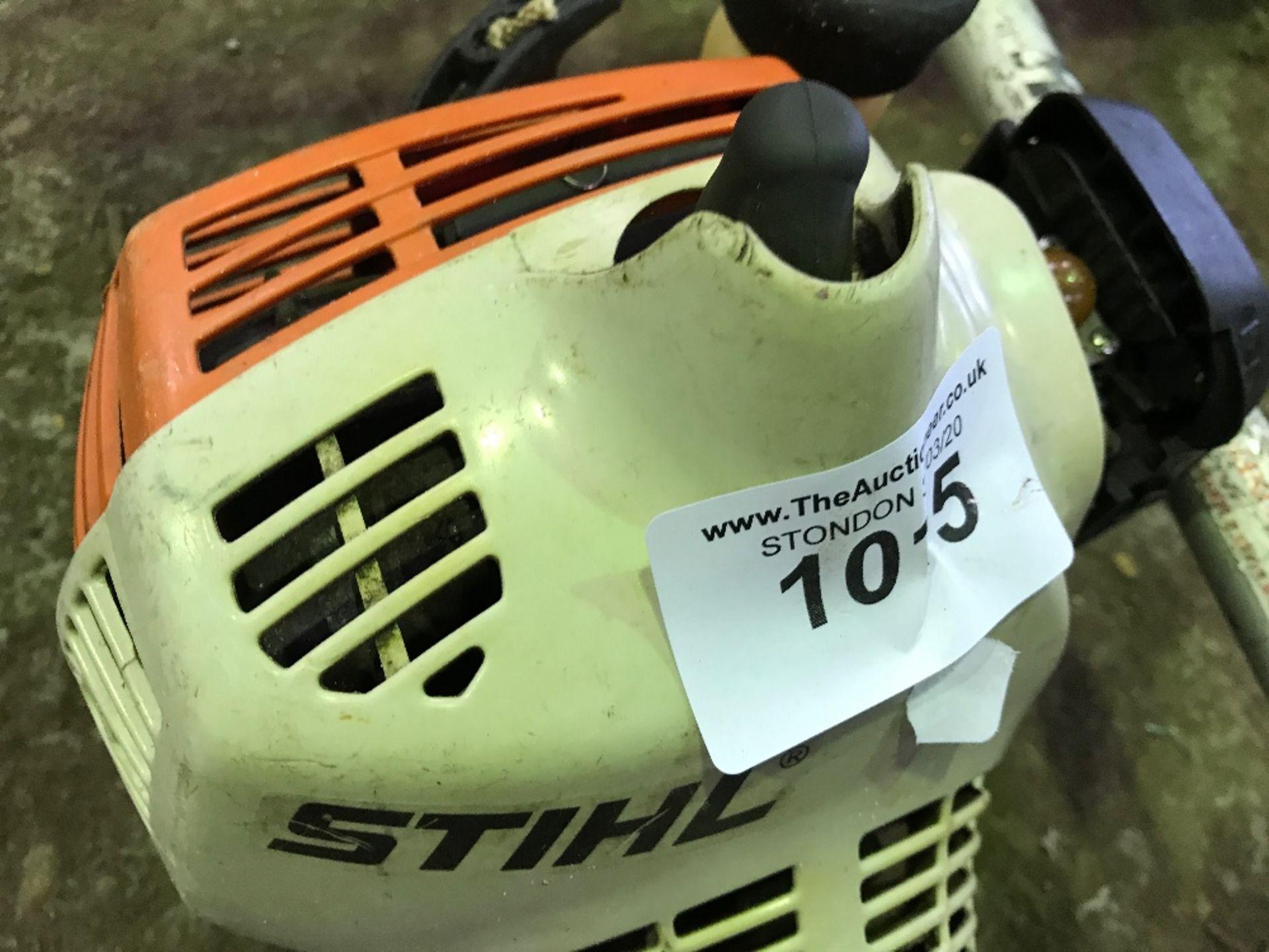 Lot 1015 - Stihl FS45 petrol strimmer