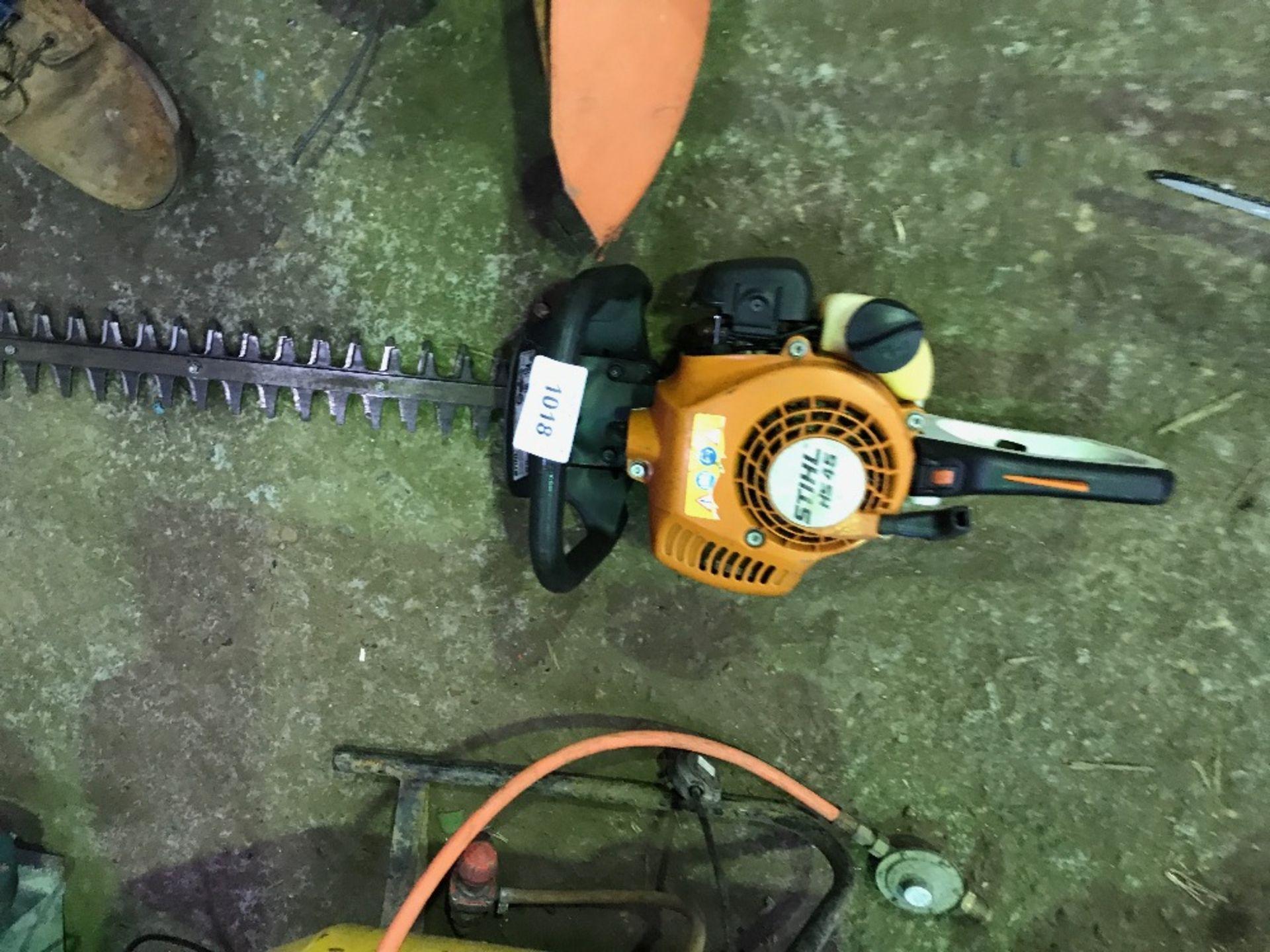 Lot 1018 - Stihl HS45 petrol hedge cutter