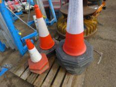 12no. Road cones