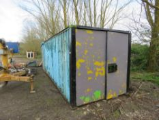 20ft Secure container, roof needs attention