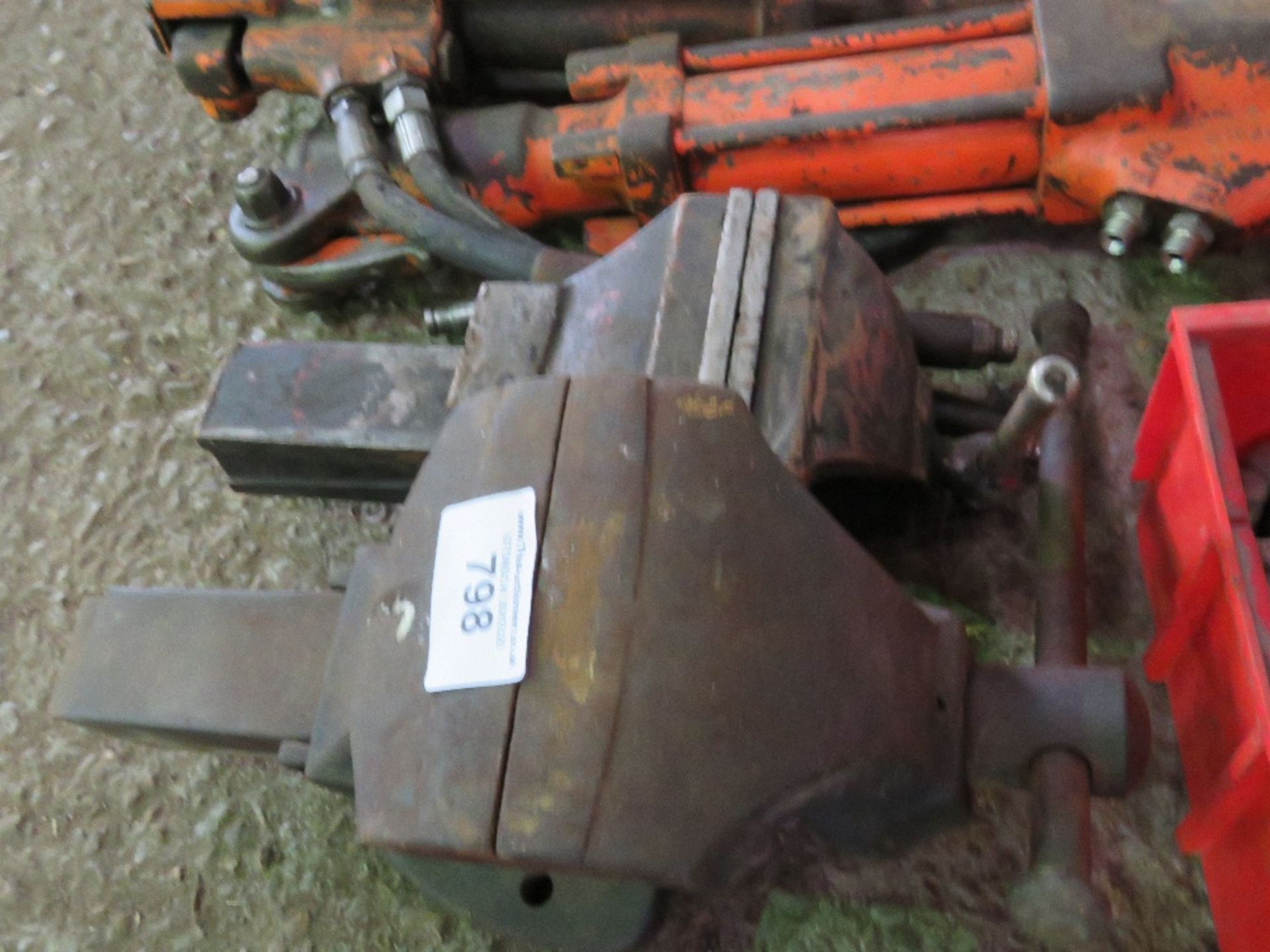 Lot 798 - 2no. Bench vices
