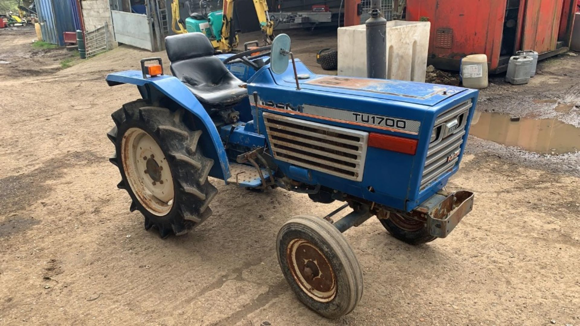 Lot 2008 - ISEKI TU1700 COMPACT TRACTOR, 2WD, RECENT REAR TYRE REPLACEMENT. VENDOR'S NOTES: THIS IS NOT A NEW