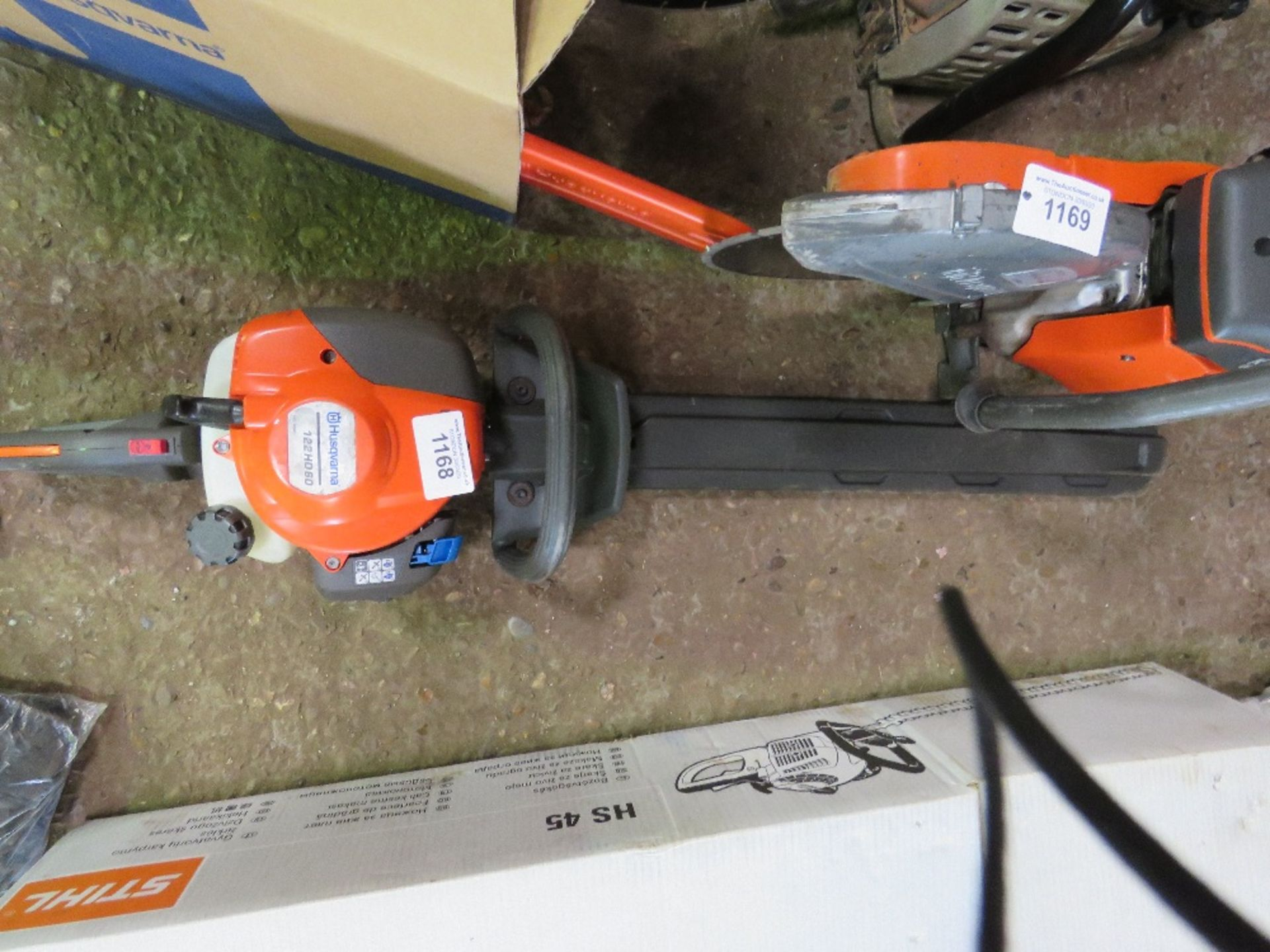Lot 1168 - HUSQVARNA 122 PETROL HEDGE CUTTER