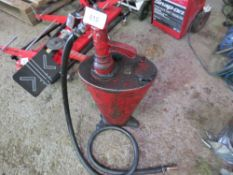 HAND OPERATED OIL FILLING CANISTER