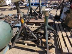 2X HEAVY DUTY AXLE STANDS 7.5 TONNE CAPACITY sourced from company liquidation