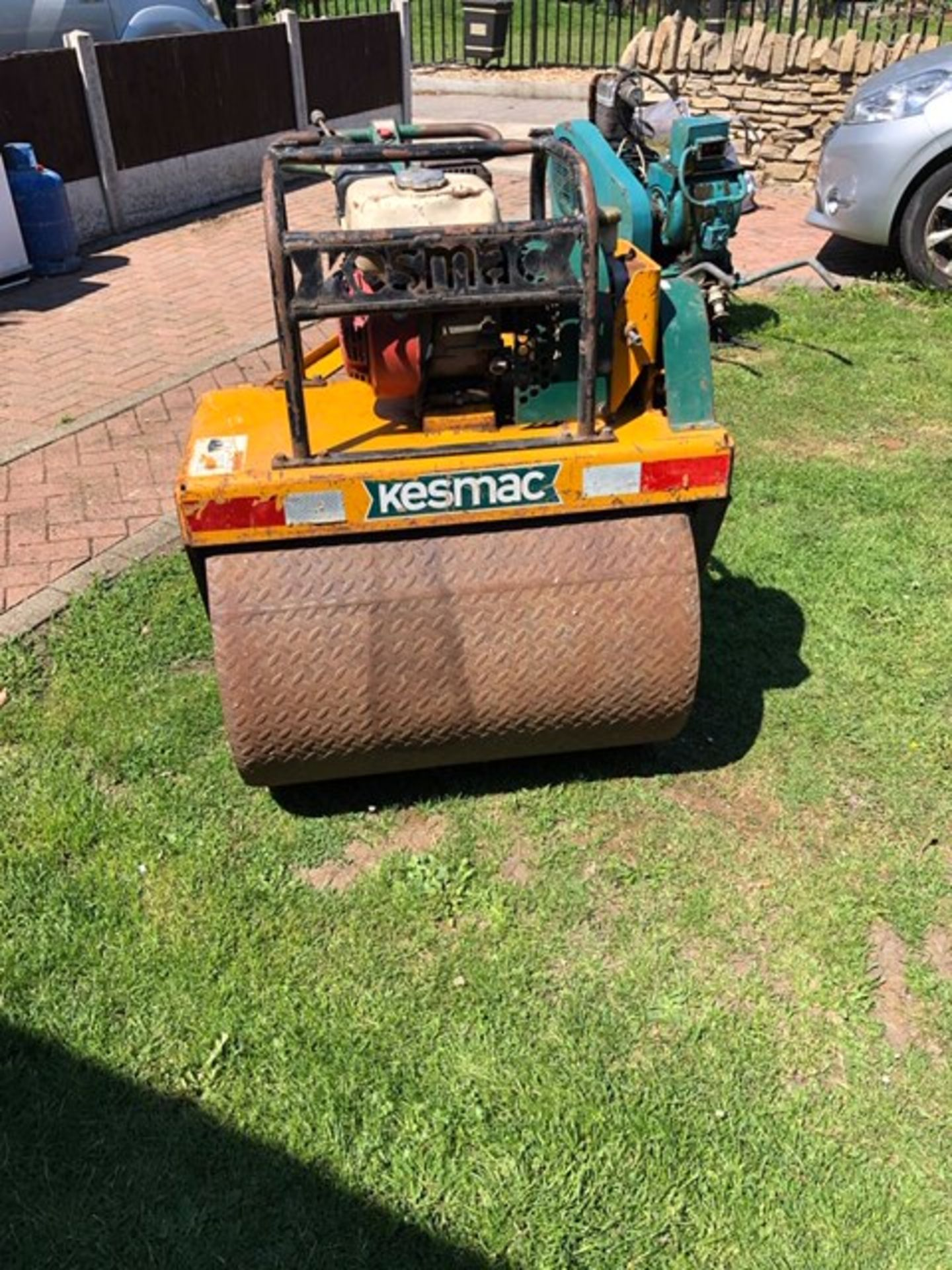Lot 259 - KESMAC HONDA ENGINED ROLLER FOR GREEN KEEPER ETC. WHEN TESTED WAS SEEN TO RUN AND DRIVE