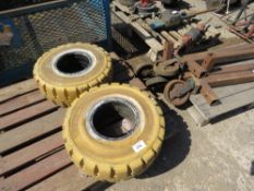 2 X NON MARKING SOLID FORKLIFT TYRES 23X9-10/6.5 SIZE