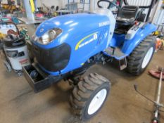 NEW HOLLAND BOOMER 25HP TRACTOR WITH 4WD. YEAR 2015 REGISTERED. REG:AY15 AAF WITH V5, 1044 REC HRS.