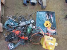 ASSORTED POWER TOOLS TO INCLUDE TRANSFORMER, 3 X ANGLE GRINDERS, 3 X PALM SANDERS, JIGSAW AND 2 X DR
