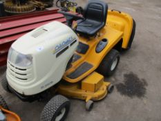 CUB CADET CC1023 HYDROSTATIC DRIVE RIDE ON MOWER WITH COLLECTOR. WHEN TESTED WAS SEEN TO DRIVE AND M