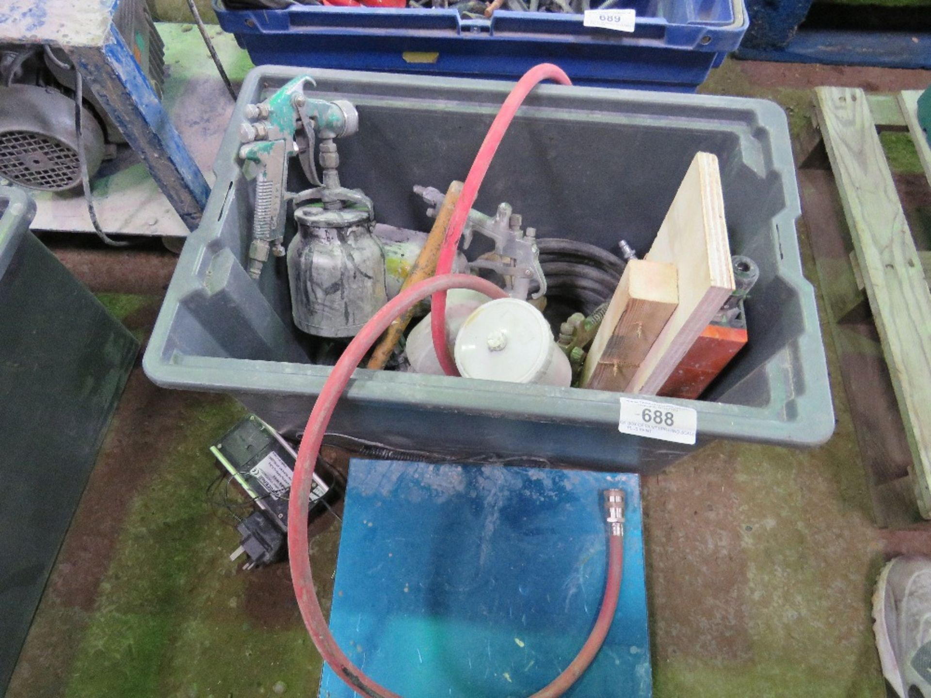 Lot 688 - BOX OF PAINT SPRAYING SCALES PLUS PAINT WEGHING SCALES.....DIRECT EX COMPANY LIQUIDATION
