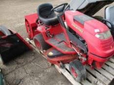 COUNTAX C600H HYDROSTRATIC RIDE ON MOWER WITH COLLECTOR....UNTESTED, CONDITION UNKNOWN